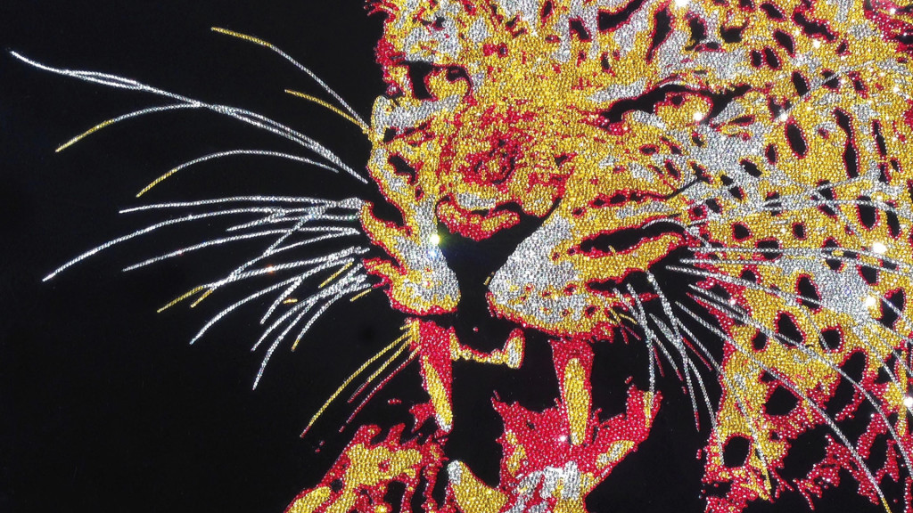 Angry Leopard, 33800 Crystals from Swarovski® su plexiglas, 80x100 cm, 2016
