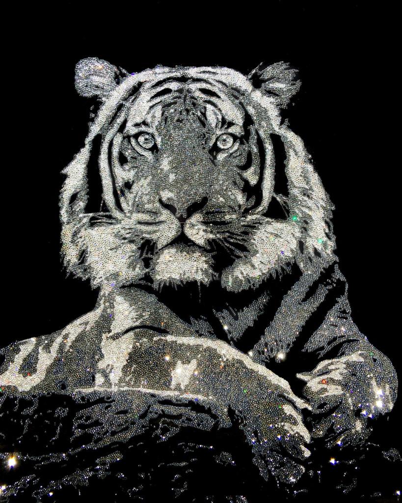 Proud Tiger, 38900 Crystals from Swarovski® su plexiglass, 100x85 cm. 2017